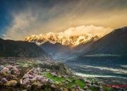 """西藏旅游季打响 打造""""天上西藏""""品牌形象"""