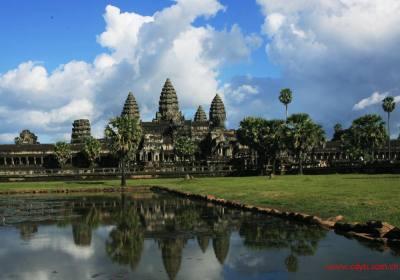柬埔寨旅游部长:柬国为中国人提供签证便利