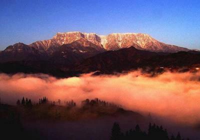 瓦屋山迷魂凼在哪里、瓦屋山迷魂凼能进吗